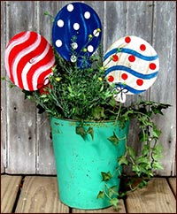 Patriotic Balloons!-patriotic, balloons, tin, red, white, blue, USA, americanaprimitive, rusty